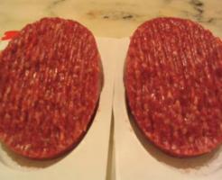 赤身肉100%ステーキハンバーグ